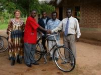 Fietsen voor de First Aid Homeopaten van Cycling out of Poverty