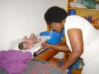 Een eerste controle direct na de geboorte voorkomt vroegtijdige kindersterfte