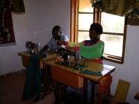 De opleiding tot kleermaker wordt verzorgd op het Eva Demaya Centrum zelf